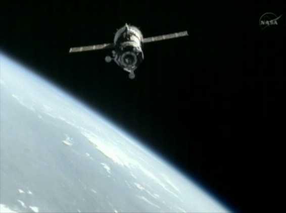 Союз ТМА-05М в момент сближения с МКС